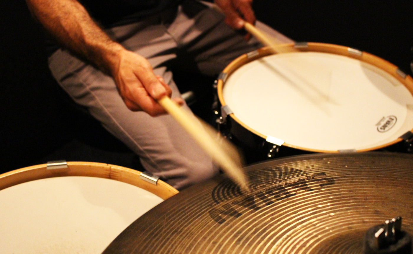 intro to jazz drumming, jazz drums course, beginner drums course, drum courses, live lessons, skype drum lesson, zoom drum lesson, online drum leesson 1 on 1, simpledrummer, drum set, drums, drum lessons, online lessons, beginner drums, learn drums, drumming for beginners, drum lessons for beginners,easy drum beats, easy drum fills, drumeo, drums tutorial, drumeo beginner